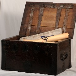 Barbers Chest Presented to the Society of Barbers in 1724 (Currently on Display at SURGEONS' HALL MUSEUMS)